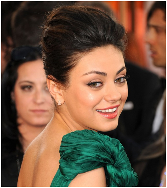 mila kunis makeup. Mila Kunis#39; make-up products