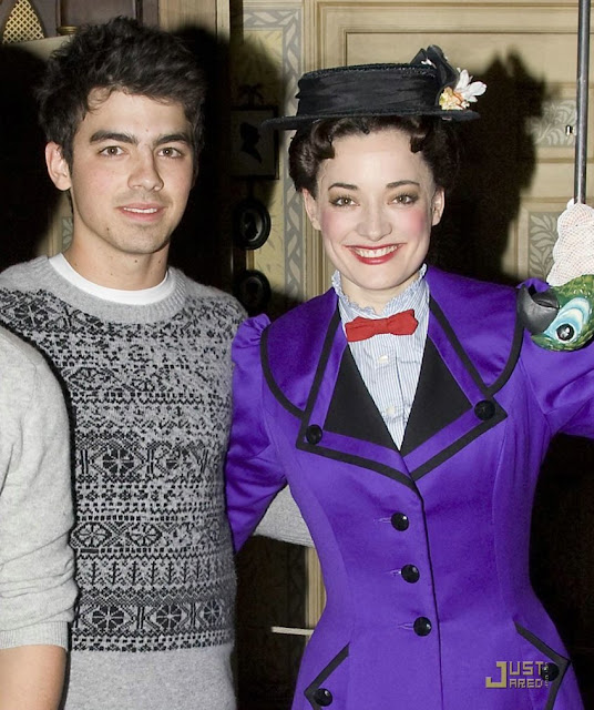 [jonas-brothers-mary-poppins-04.jpg]