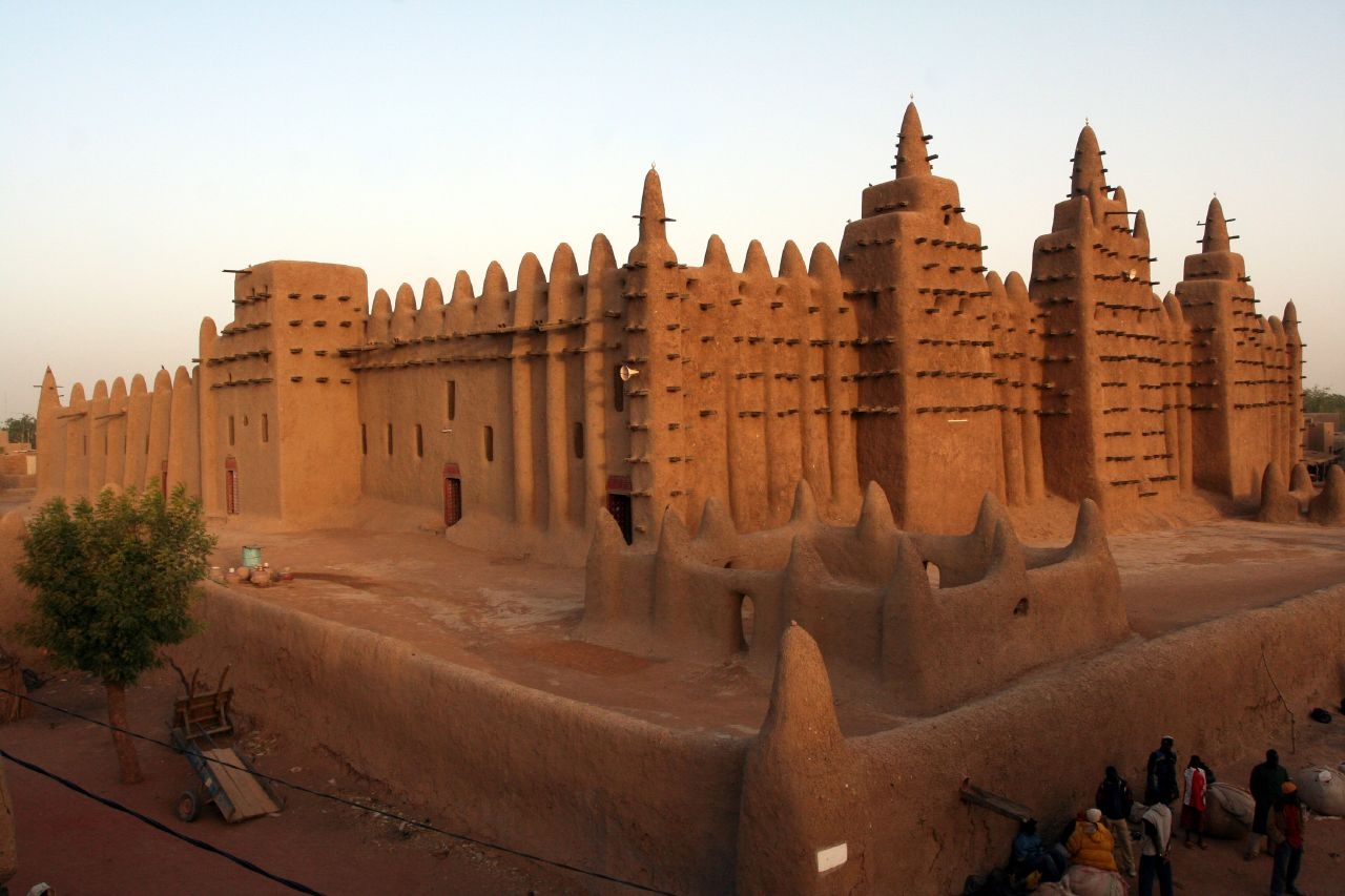 mali empire Mali, officially the republic of mali, is a huge, landlocked nation in west africa that is about two-thirds desert the country is named after the mali empire, one of.