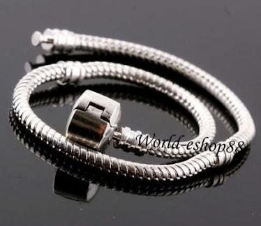 Silver pandora bracelet with pendant