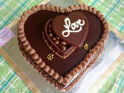 Dark Chocolate Cake Gallery