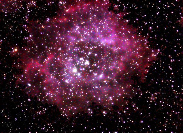 """Nebulosa y cúmulo estelar """"Roseta"""" en Monoceros"""
