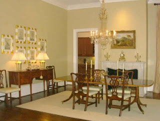 This Is A Picture From An Atlanta Real Estate Listing The Chairs And Table Are Very Similar To Mine Chandelier That Probably Best Match