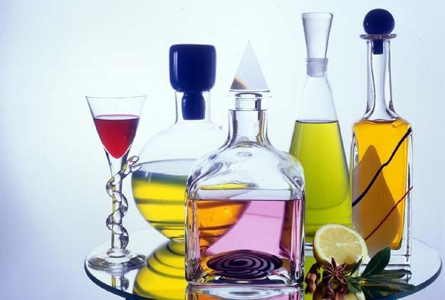 Bottiglie di vetro e contenitori vendita bottiglie di vetro for Casa di vetro moderna in vendita