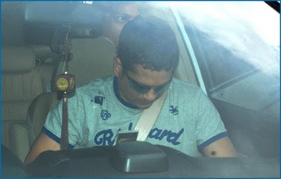 God of cricket Sachin Tendulkar Inside the car