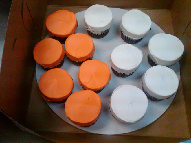 Smooth_Orange_White_Cupcakes