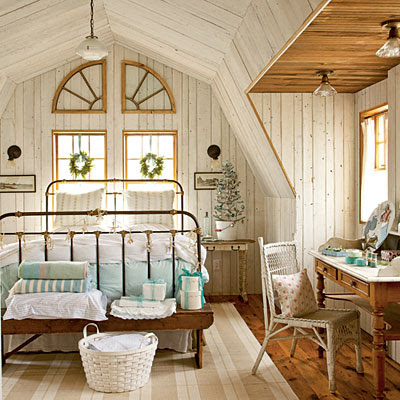Seaside Inspired - Beach Decor: Festive Holiday Rooms as seen in ...
