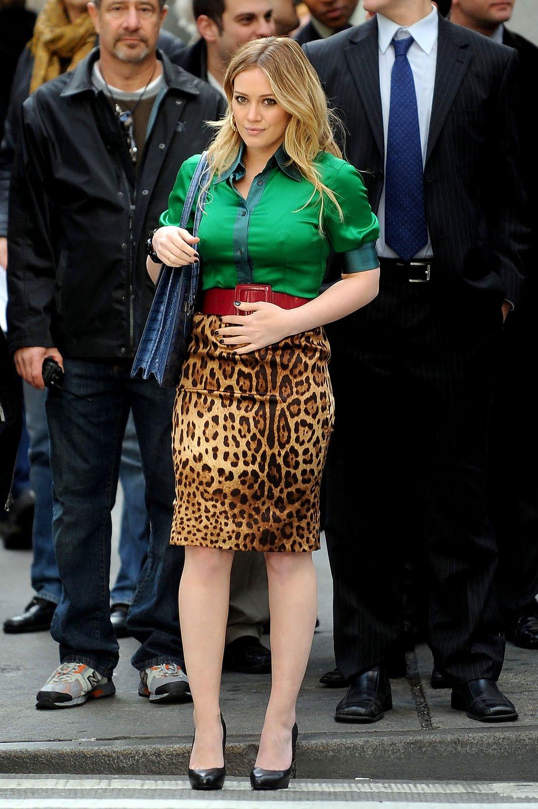 http://4.bp.blogspot.com/_hZpcjbQpsVo/S-YcJ4bk9QI/AAAAAAAAYa0/_ntXVReuWjc/s1600/13991_Nen_Hilary_Duff_On_the_set_The_Business_Of_Falling_In_Love08_122_423lo.jpg