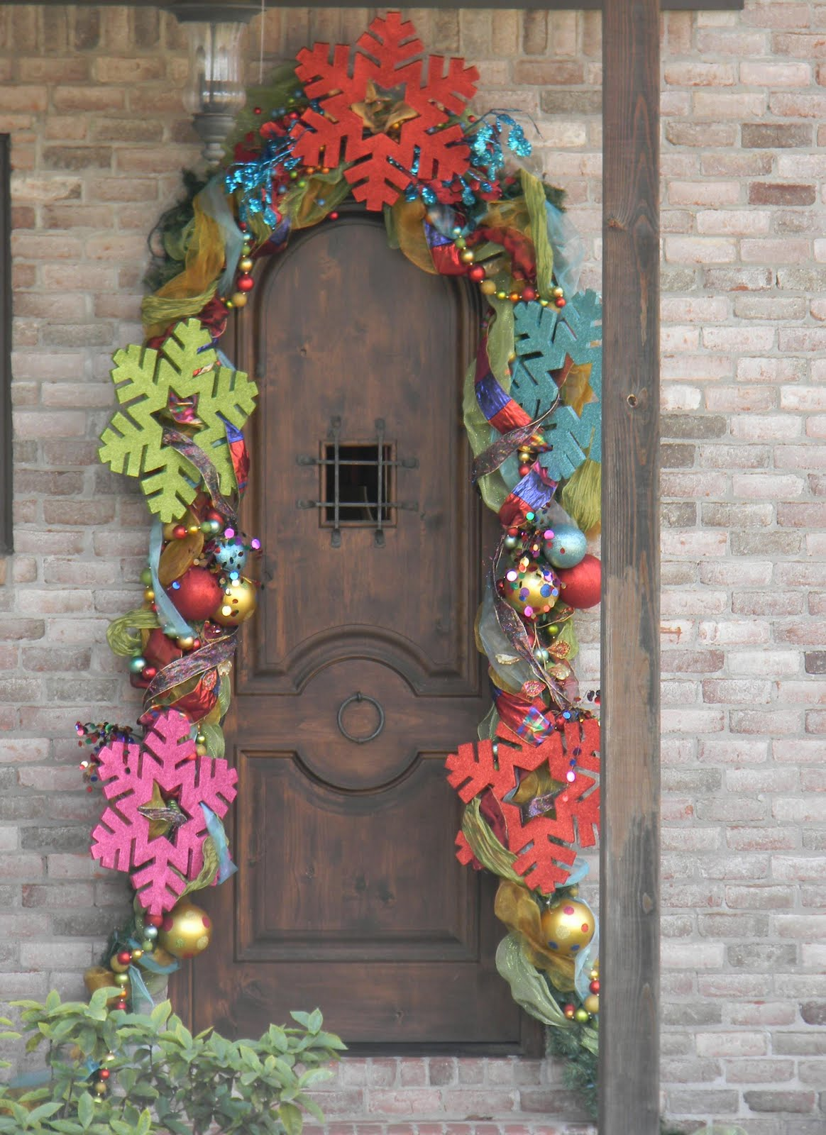 Christmas door decor stalking southern fried gal for M m door decorations
