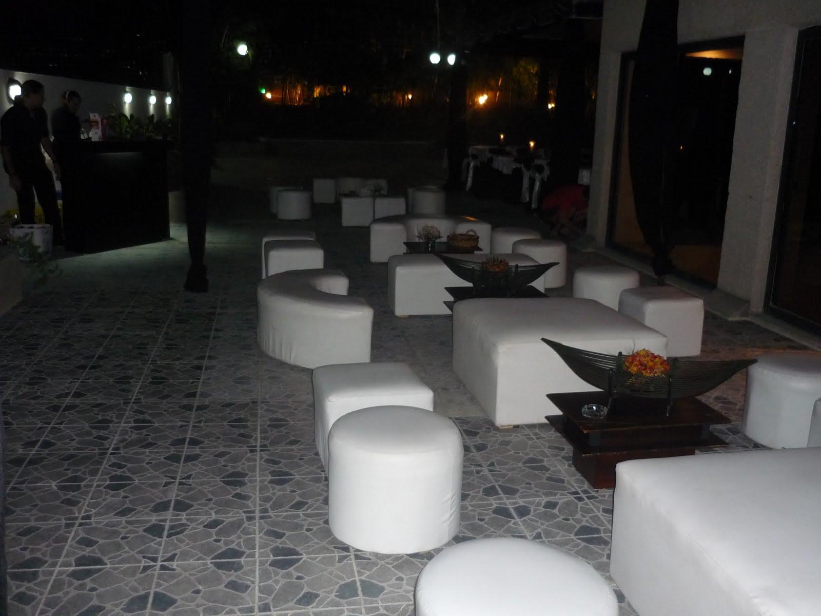 Festejos yupi servicio de festejos sillas mesas toldos for Sillas para festejos