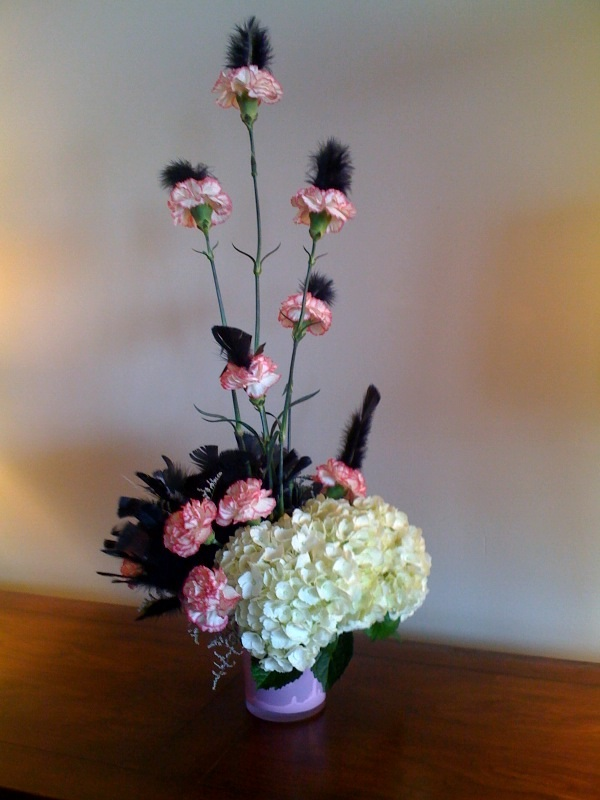 wedding centerpieces with crystals and feathers
