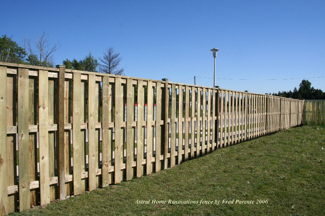 4 Foot High Wood Fencing http://astralrenovationideas.blogspot.com/2010/05/astral-home-renovation-ideas.html