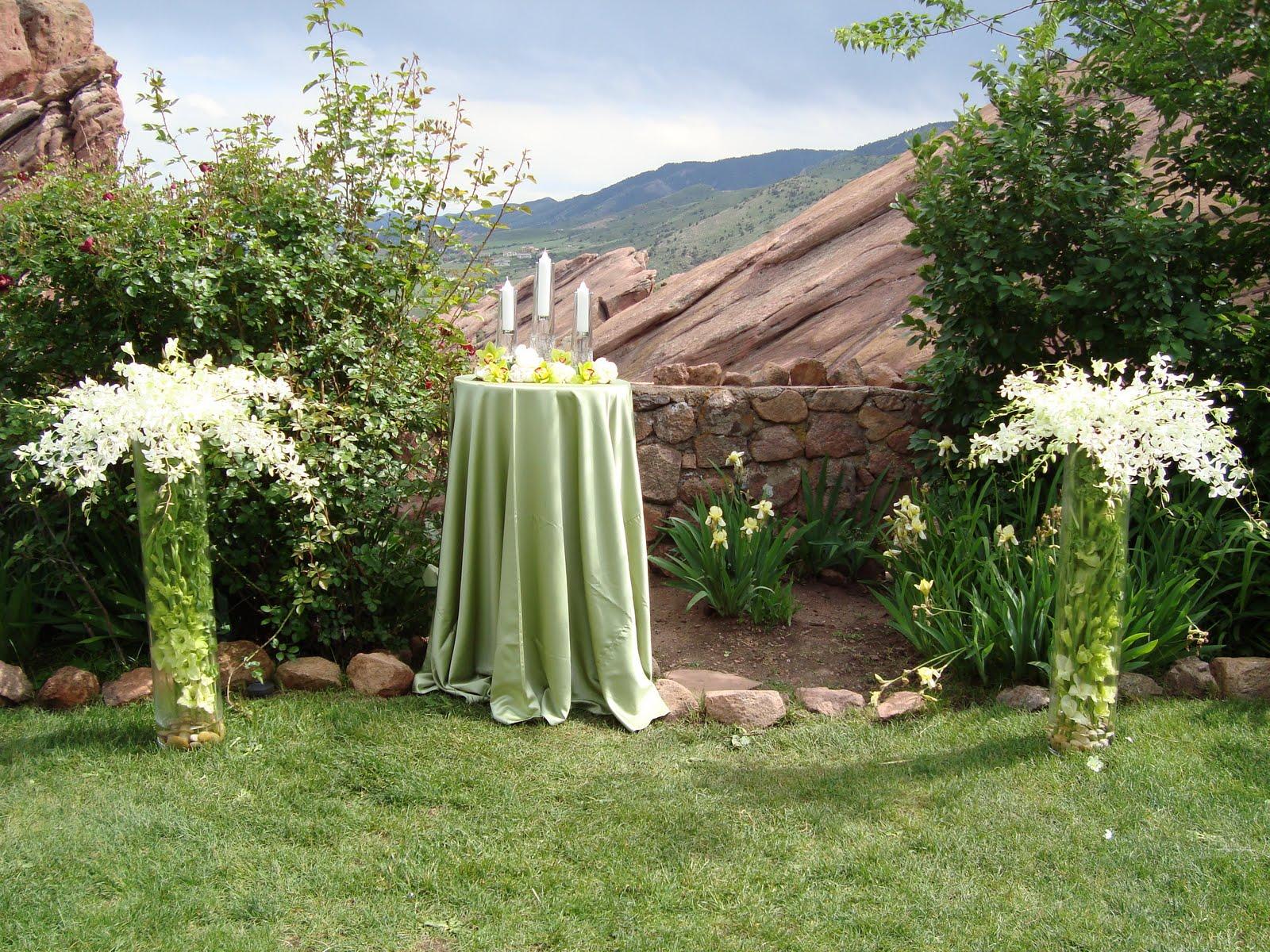 floral arrangement ideas around unity candles