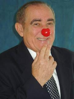 http://4.bp.blogspot.com/_hgOwTqWTx9M/TTSD747mMAI/AAAAAAAAAnI/8YF8BByN6xg/s1600/Renato-arag%25C3%25A3o-didi.jpg