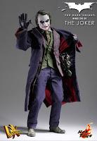 The Joker Heath Ledger action figure image immagine