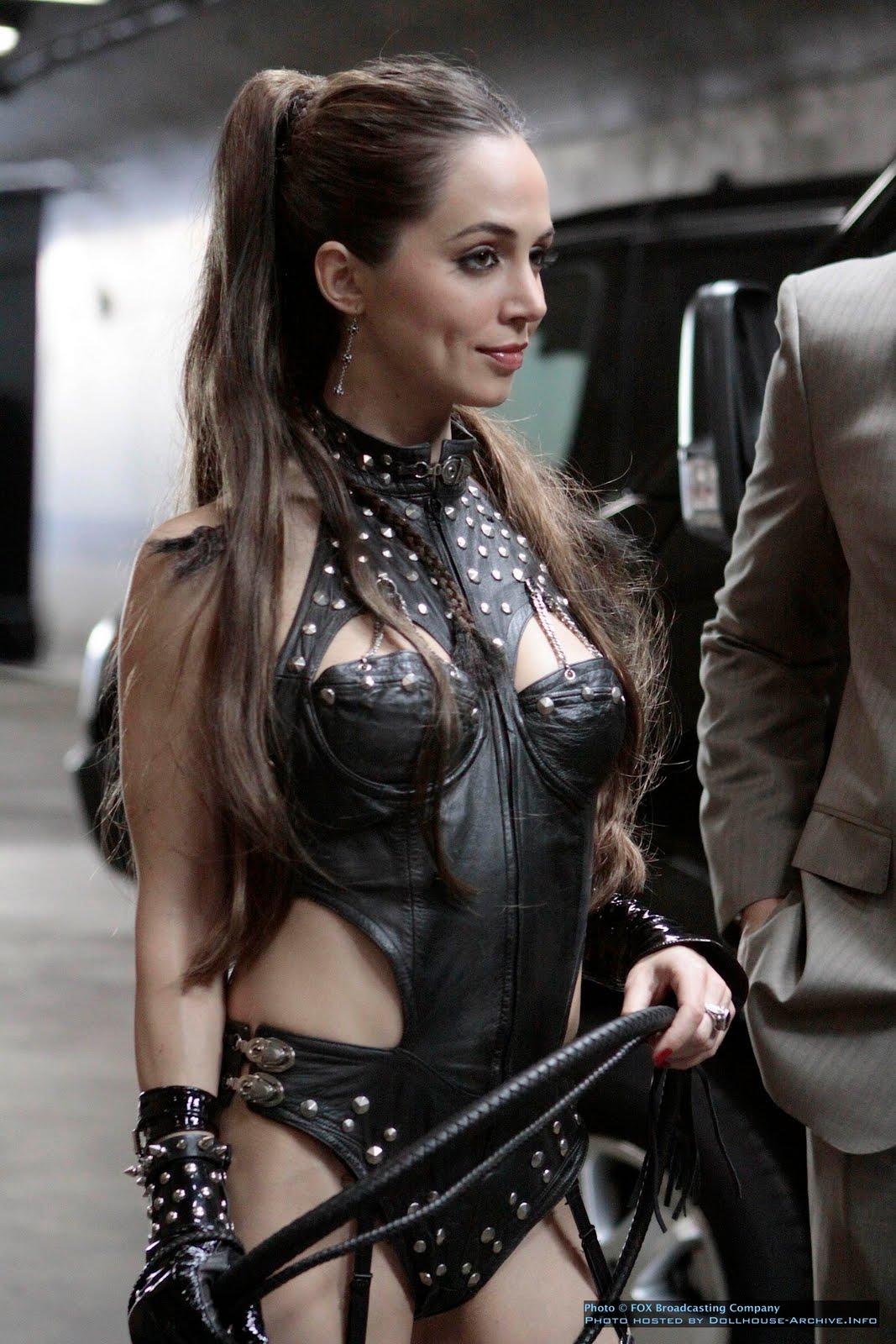 http://4.bp.blogspot.com/_hhYu4s9DHPk/TDN56BYKh9I/AAAAAAAAAE0/5Gapwu6c7GI/s1600/Eliza-dushku-leather_dollhouse_echo.jpg