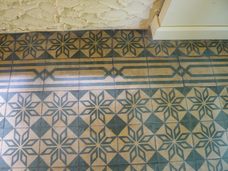 Kitchen and residential design cuban tile isn 39 t encaustic for Floor cement tiles