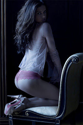 adriana lima lingerie