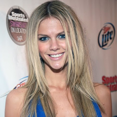 Brooklyn Decker sexiest woman alive