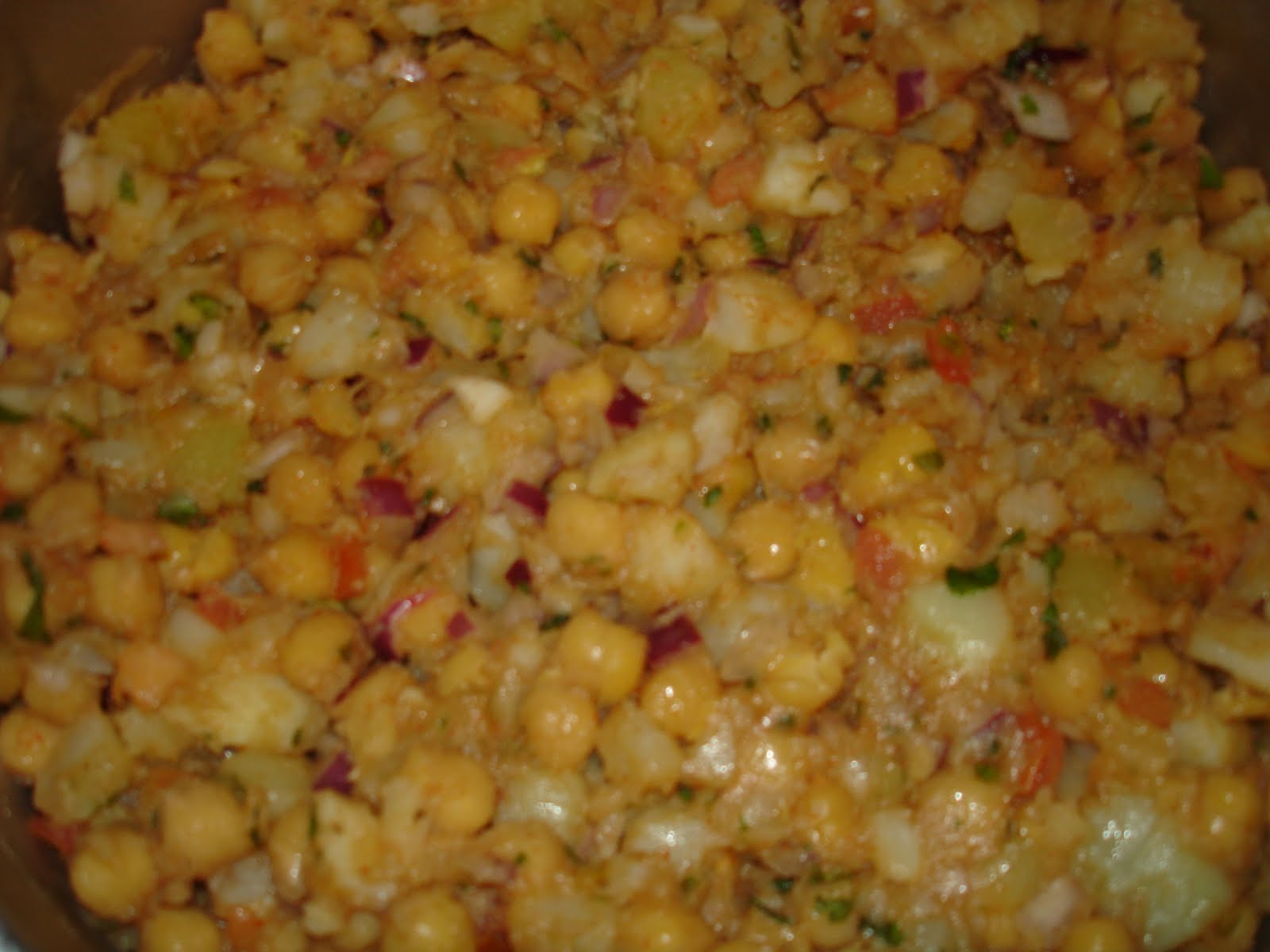 chana chat Chats are piquantly spiced snack dishes often laced with lime juice prepared with readily available ingredients aloo chana chat (ah-loo chanah chah-t) is more than a simple snack of seasoned potatoes and chick peas.