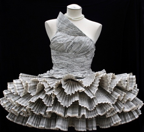 Newspaper Dress Tren Mode Baju Anak Remaja Masa Depan