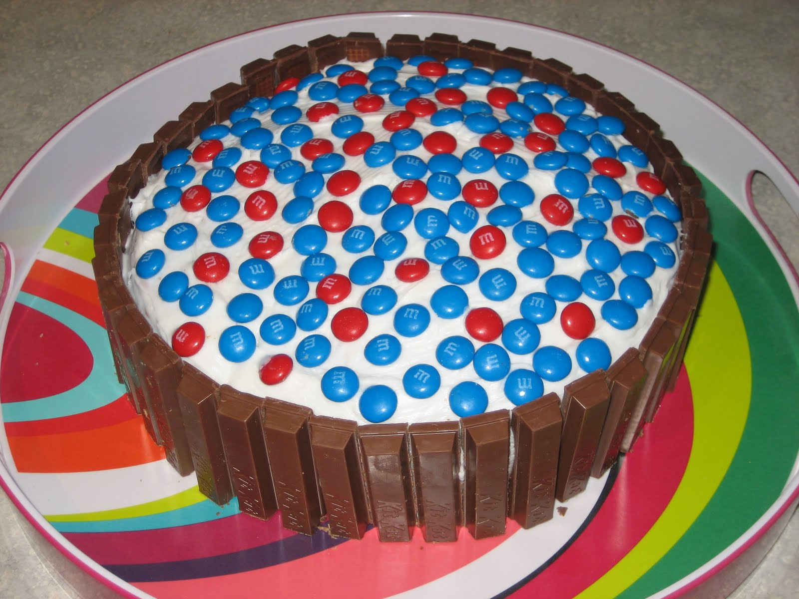 Three Queens & A King: 4th of July Cake
