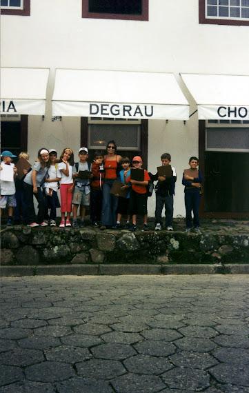 2004 - Saida de Estudos Bairro da Lagoa da Conceição  - frente degrau
