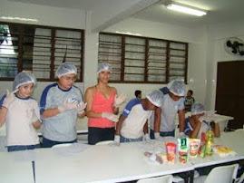Aula de ciências com a profª Claudia Viegas