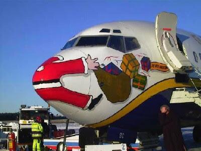 Santa Claus... :O Santa_claus_is_coming