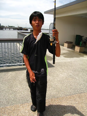 ueenfish [Talang] Caught by Shi Hong at Woodland Jetty Fishing Hotspots was created to share with those who are interested in fishing on tips and type of fishes caught around Woodland Jetty Fishing Hotspots.