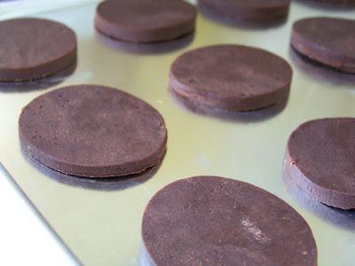 ... finds: recipe-a-week #10: chocolate 'n' cream sandwich cookies