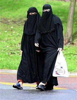 [Image: burqa2.jpg]