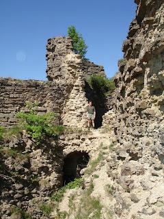 Развалины башни. Копорская крепость