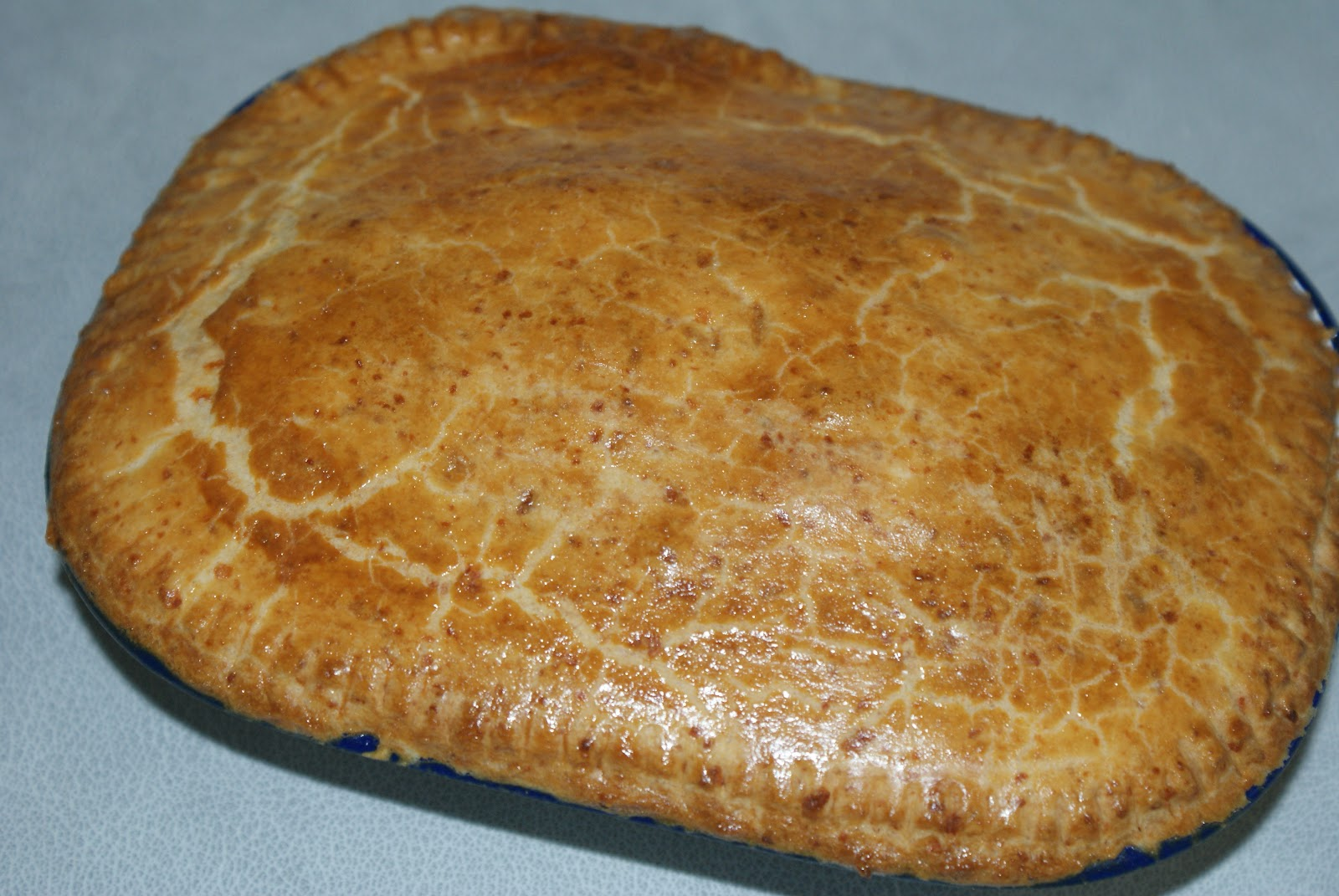 how to make minced beef and onion pie