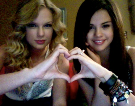demi lovato and selena gomez icons. SELENA GOMEZ AND DEMI LOVATO