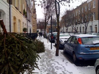 Angel+Islington+heavy+snow+fall+Singaporean+in+London