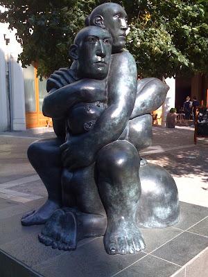 iPhone-London-Paddington-Sculpture