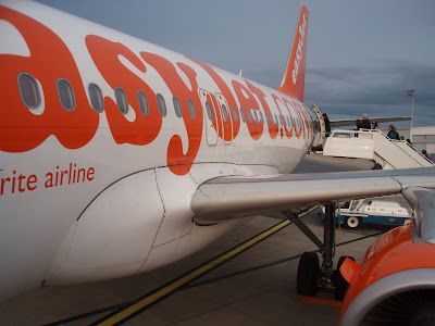 EasyJet+British+Airways+Ryanair+how+do+they+compare+Singaporean+in+London