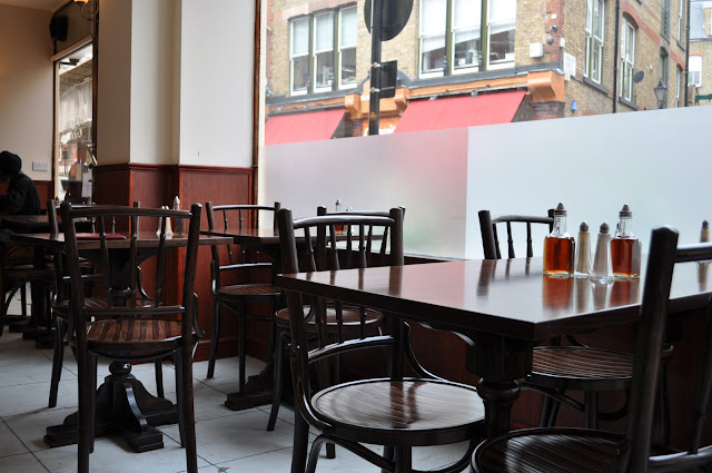 Golden+Hind+review+Marylebone+Lane+interior+seating
