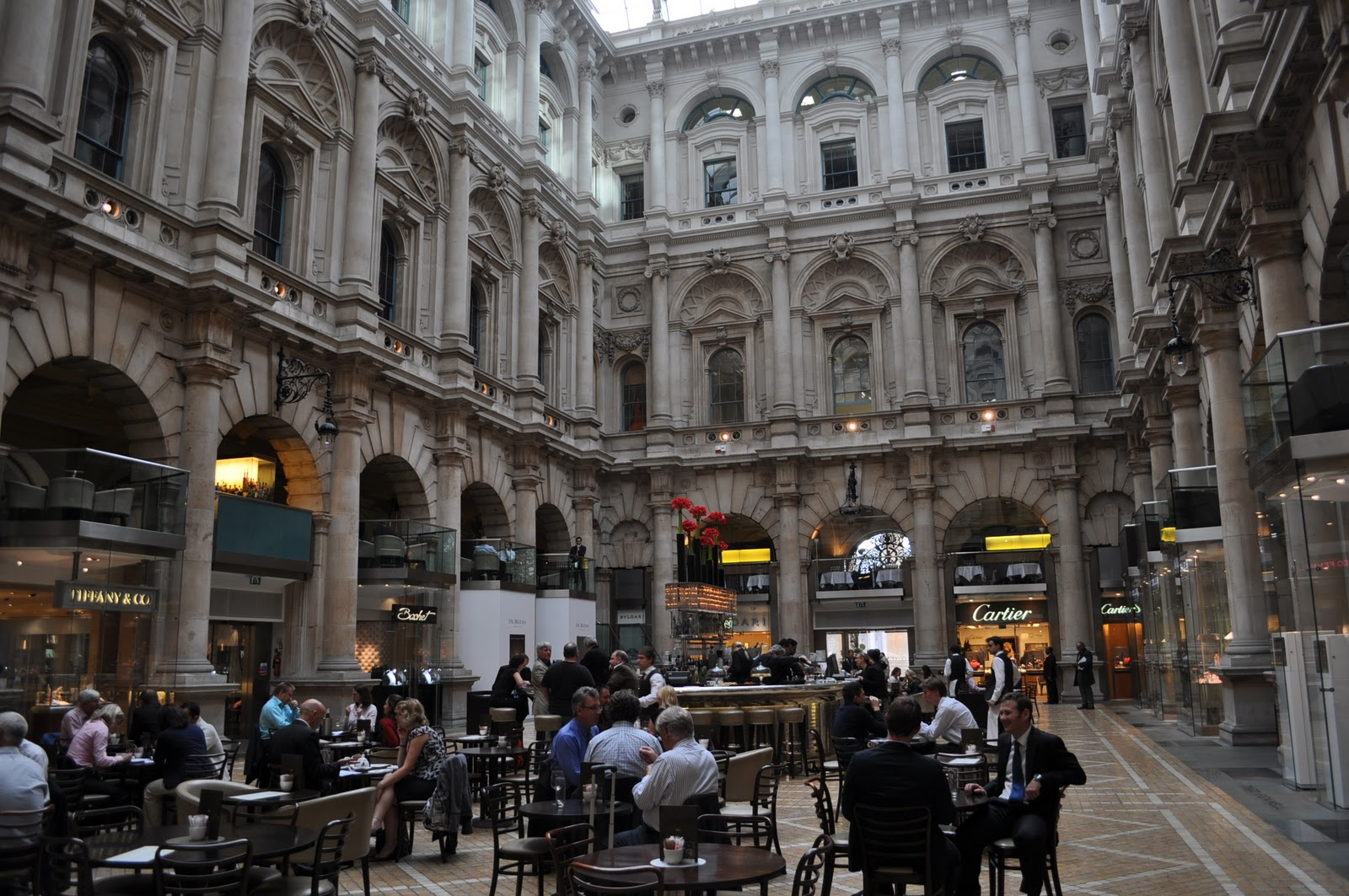 Assez Royal Exchange - Paul Smith discount outlet and other luxury  JK99