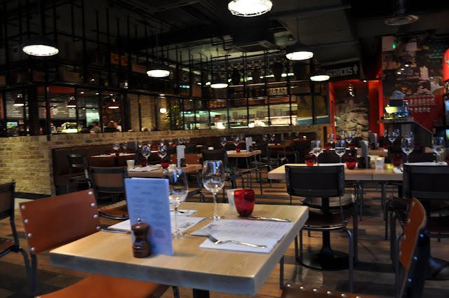 Camino+Canary+Wharf+Westferry+review+main+dining+area