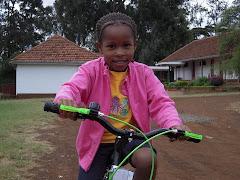 Annabel har fått sykkel