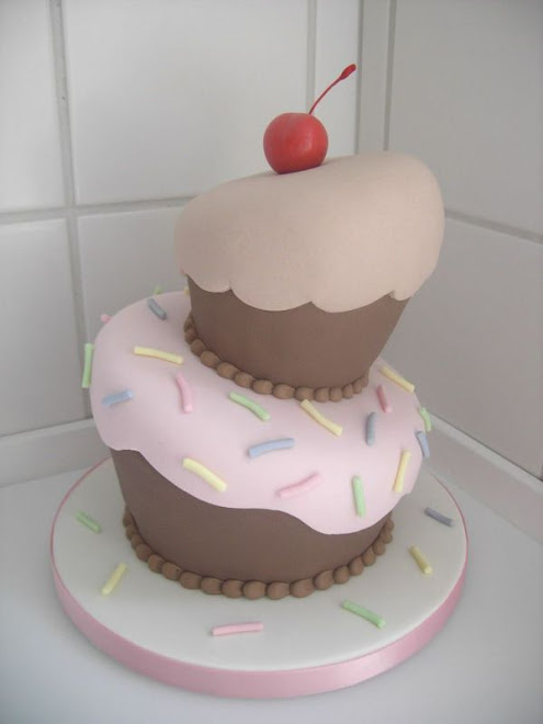 Cake Decorating With Fondant: Easy Marshmallow Fondant Recipe
