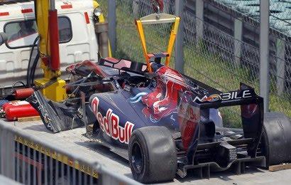 Sebastien Buemi accident GP Chine 2010 vidéo