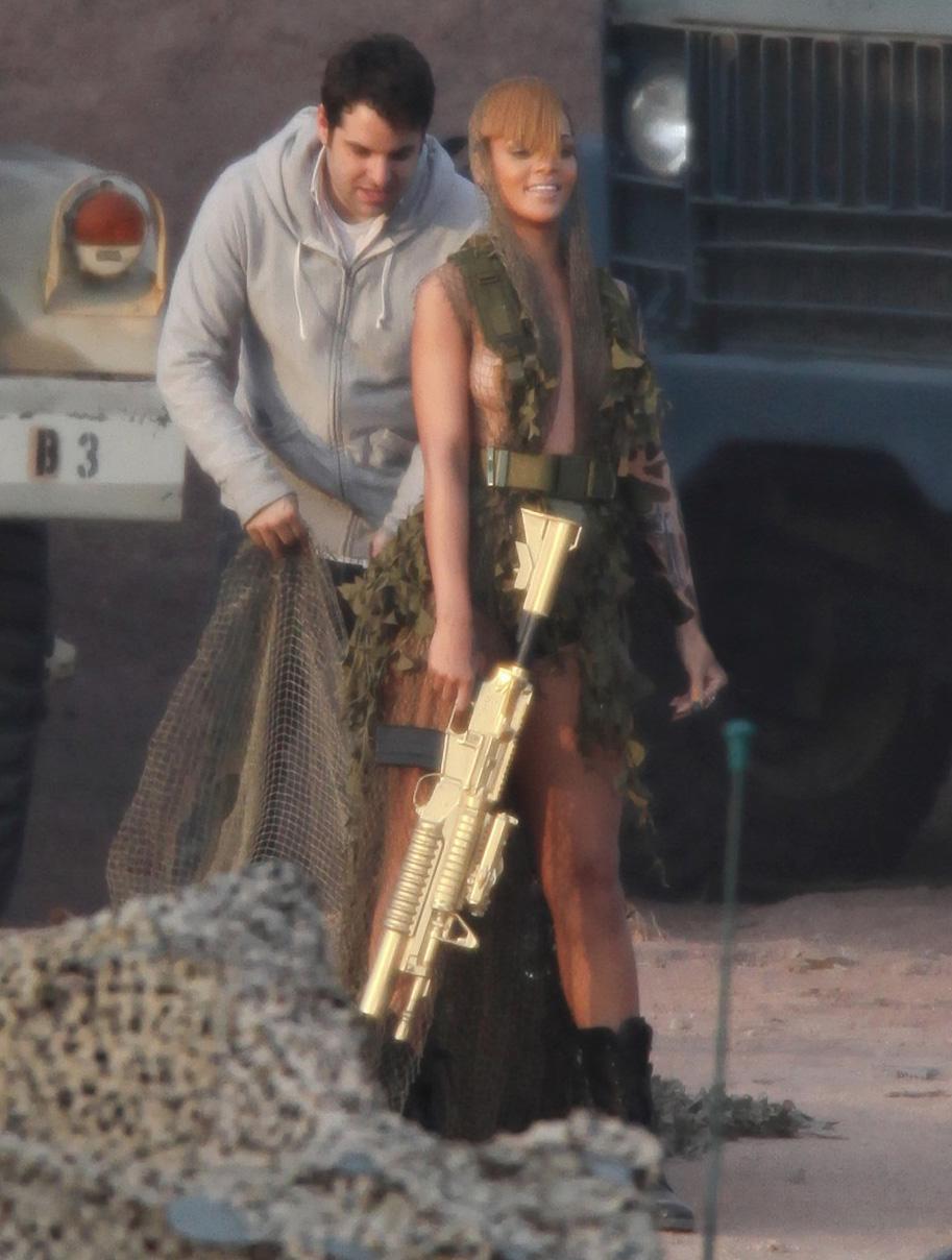 Rihanna teton oups