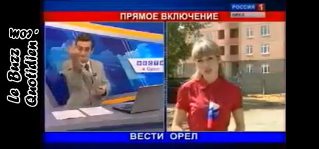 Vidéo journaliste russe fait un doigt d'honneur en direct au JT