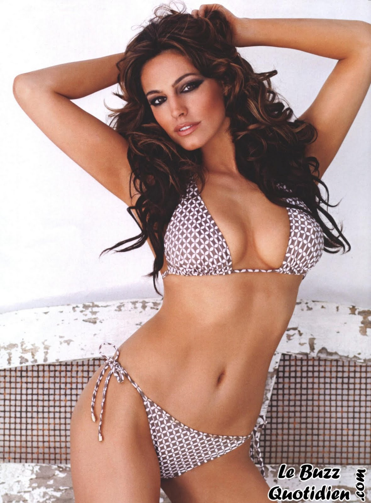 Kelly-Brook-topless-FHM
