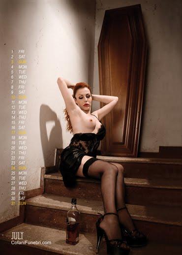 Cofani funebri calendrier 2011 sexy
