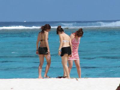 korean bikini babes