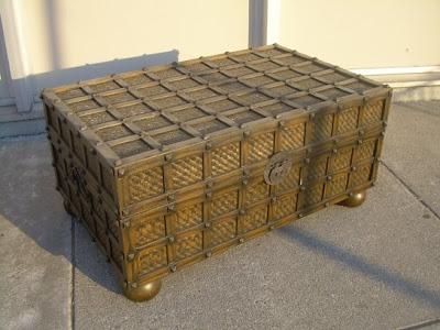 Uhuru Furniture Collectibles Sold Trunk Coffee